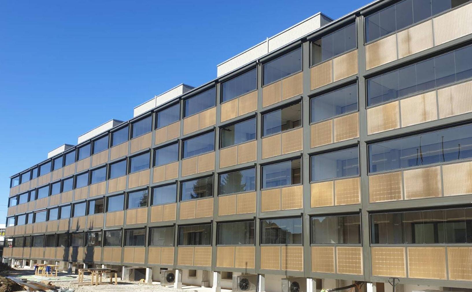 Balkonsanierung mit Solarmodulen