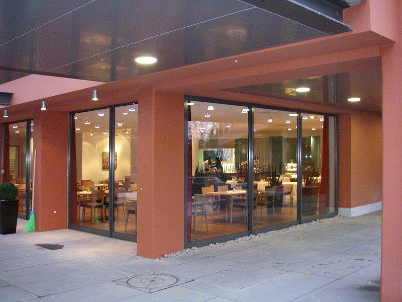 Schaufenster und Fassaden Verglasungen